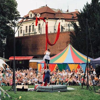 Duo HaRo na Letní Letné s konstrukcí B
